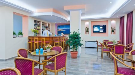 Offering a variety of beverages, drinks and spirits, Nefeli Hotel's café-bar is waiting for you all day long.