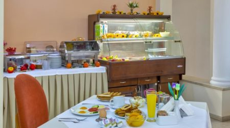 Start your day in the best way possible, enjoying our buffet breakfast with a wide selection of local products of the finest quality.